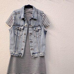 NWT &Denim H&M Distressed Acid Washed Jean Vest